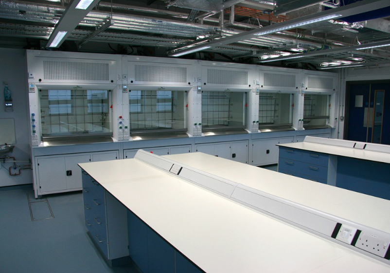 Safety Flooring Altro vinyl safety floor fitted in UoS lab